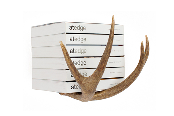 <br /><br /><em>the antler&co. brand&nbsp;&nbsp;&nbsp;</em>::<em>&nbsp;&nbsp;&nbsp;hooks made from antlers, what a novel idea</em>